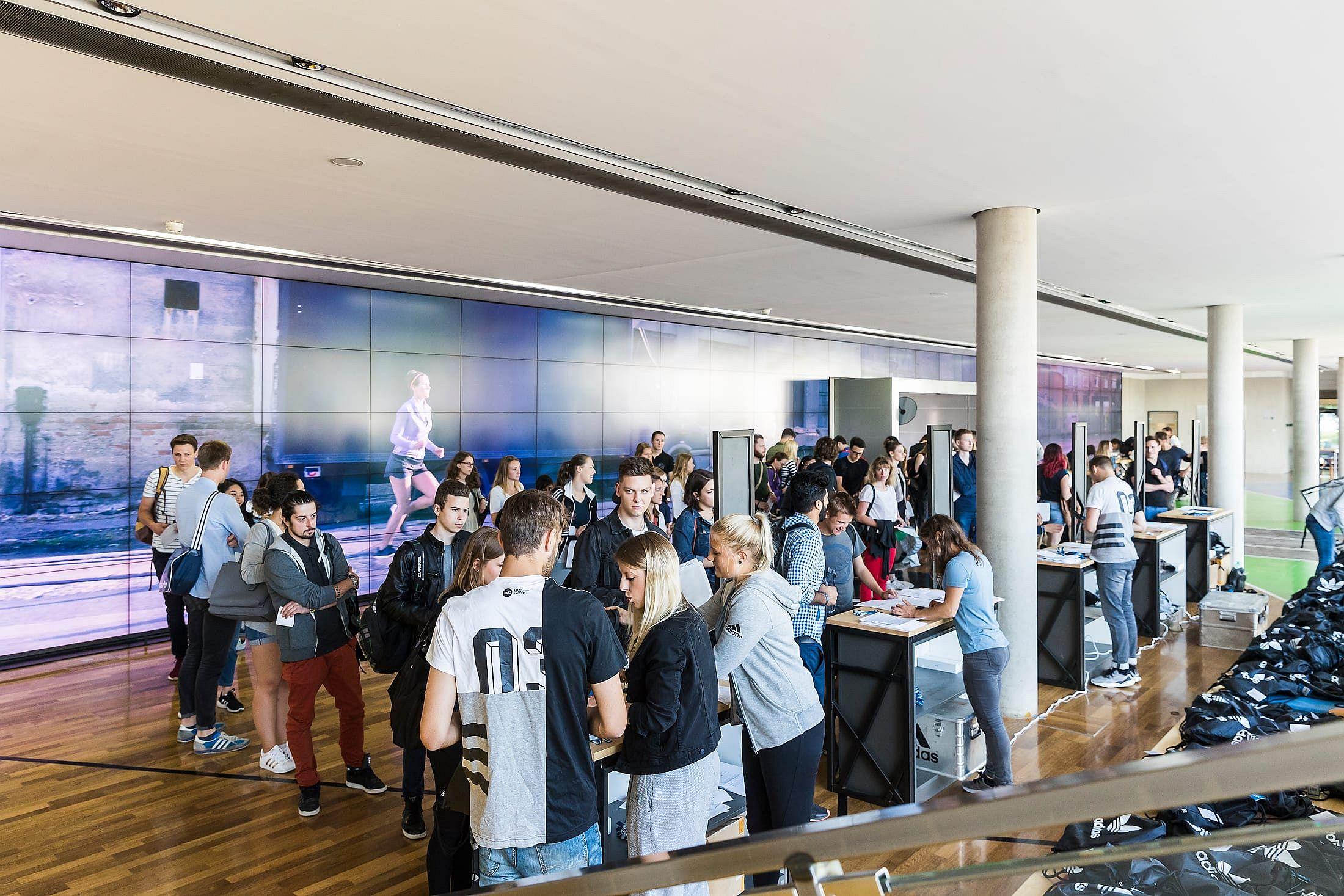 Vorträge, Workshops, Sport › FAU goes adidas
